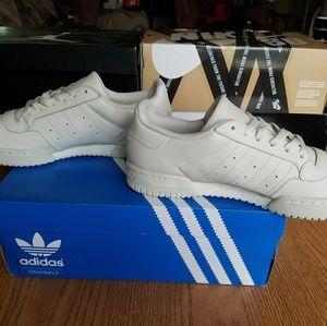 adidas yeezy powerphase calabasas scarpe adidas ultra impulso mens